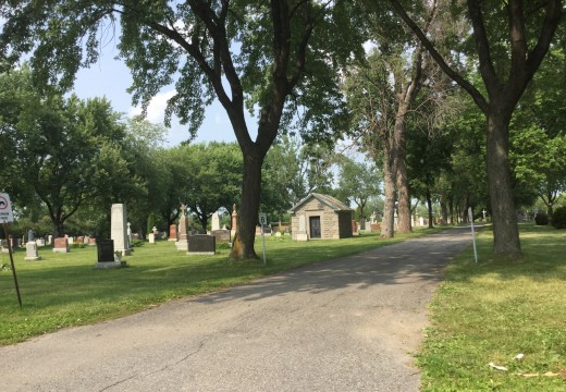 Le cimetière, sanctuaires
