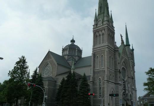 Église Cocathédrale Saint-Antoine-de-Padoue équipe pastorale. Nouvelle église, enveloppes